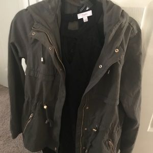 Like new H and M utility jacket. Perfect for fall!